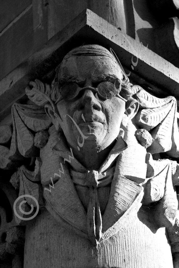 Steinfigur in Oldenburg